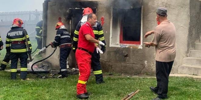 Zeci de mesaje de încurajare, din întreaga ţară, au fost transmise copilului din satul Livezi care a suferit arsuri după ce a încercat să îşi salveze bunicii din incendiu