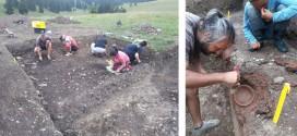 """Activităţi de cercetare arheologică la situl Şoimeni """"Dâmbul Cetăţii"""", comuna Păuleni-Ciuc"""