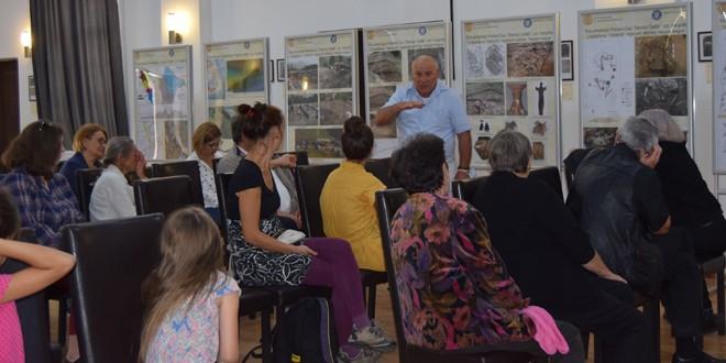 Echipa Muzeului Naţional al Carpaţilor Răsăriteni, prezentă la Căminul Cultural din Păuleni-Ciuc, cu ocazia Zilelor comunei