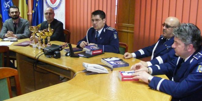 Poliţişti harghiteni, recompensaţi pentru rezultate deosebite în combaterea comerţului ilegal cu ţigarete