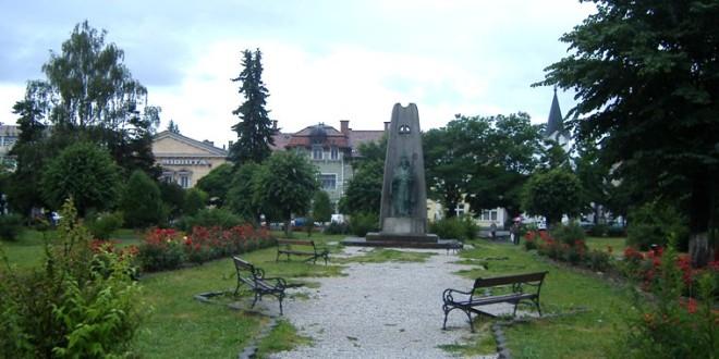 Filiala locală a PSD Gheorgheni condamnă profanarea unor monumente din localitate, însă deplânge faptul că în acest caz sunt audiaţi doar români