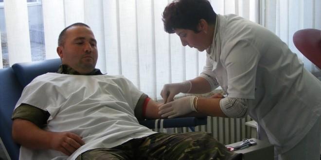 În ultimele zile: Numărul donatorilor de sânge din judeţ s-a dublat