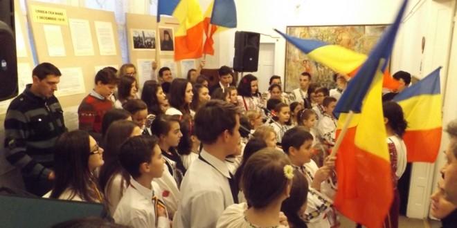 """Unirea, ţara şi limba au fost cinstite la Muzeul """"Oltului şi Mureşului Superior"""""""
