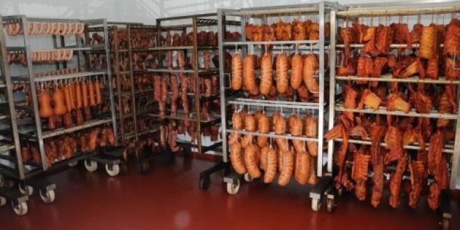 Autorităţile statului, sesizate cu privire la calitatea unor produse din carne care ar afecta sănătatea consumatorilor