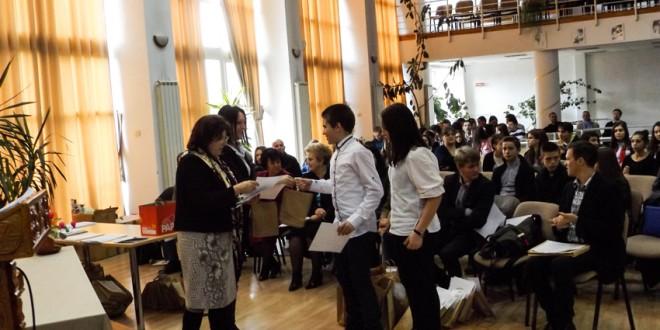 Olimpicii harghiteni cu rezultate deosebite şi profesorii lor, premiaţi de Inspectoratul Şcolar şi Consiliul Judeţean