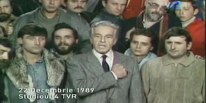 """Încet-încet, """"revoluţia"""" din '89 îşi devoalează secretele (V): Trăim sentimentul libertăţii create în 1989 cu capul plecat şi cu căciula în mână"""