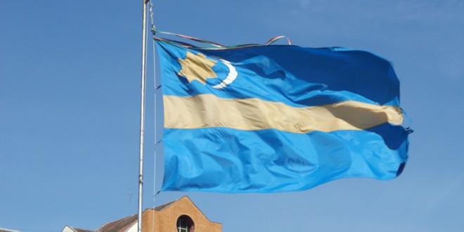 Prefectul Harghitei s-a adresat instanţei, solicitând anularea hotărârii Consiliului Judeţean prin care steagul secuiesc a fost aprobat ca steag al judeţului