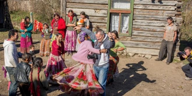 Vernisaj de expoziţie şi proiecţie de film la Ciucsângeorgiu