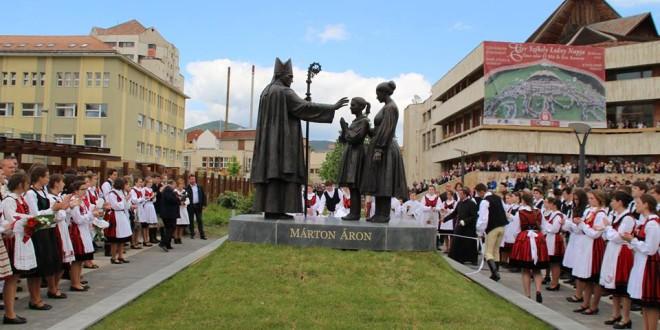 Dezvelirea grupului statuar Márton Áron din Miercurea-Ciuc, în prezenţa preşedintelui Ungariei