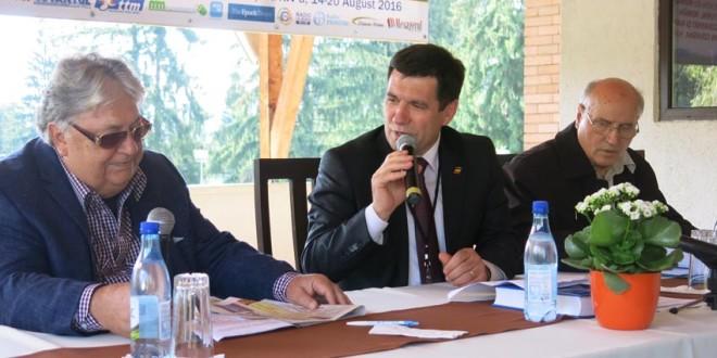 Universitatea de Vară de la Izvoru-Mureşului: Mai merită să luptăm pentru păstrarea identităţii naţionale a românilor din ţară şi de pretutindeni în era globalizării?