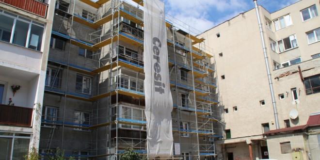 Consolidarea balcoanelor mari la blocul de locuinţe din strada Uzina electrică nr. 1 a primit undă verde