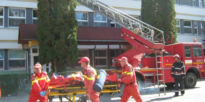 Simulare de intervenţii în cazul producerii unui incendiu la Spitalul Judeţean de Urgenţă Miercurea-Ciuc
