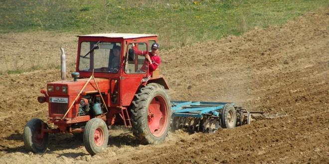 Fondurile destinate subvenţiei pentru motorina din agricultură, proape dublate