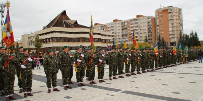 """Brigada 61 Vânători de Munte """"General Virgil Bădulescu"""" a sărbătorit 25 de ani de existenţă"""