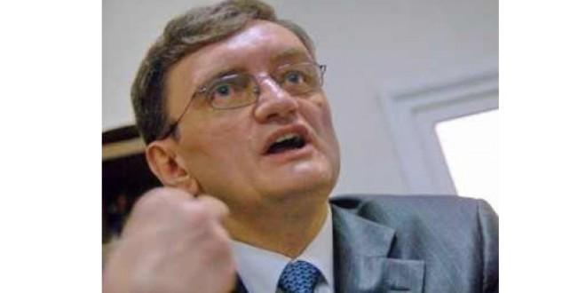 Victor Ciorbea: Avocatul Poporului decide într-o zi-două dacă sesizează Curtea Constituţională în privinţa legii care îl împiedică pe Liviu Dragnea să fie premier din cauza condamnării penale