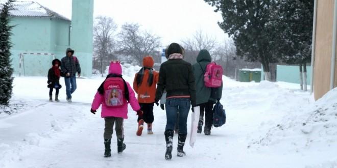 În ciuda temperaturilor nordice, unităţile şcolare din Harghita funcţionează normal