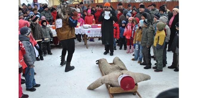 Vlăhiţa: Balul de Lăsata Secului – sau înmormântarea rituală a iernii
