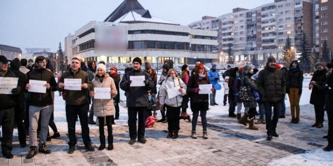 Şi ciucanii au început să iasă la proteste