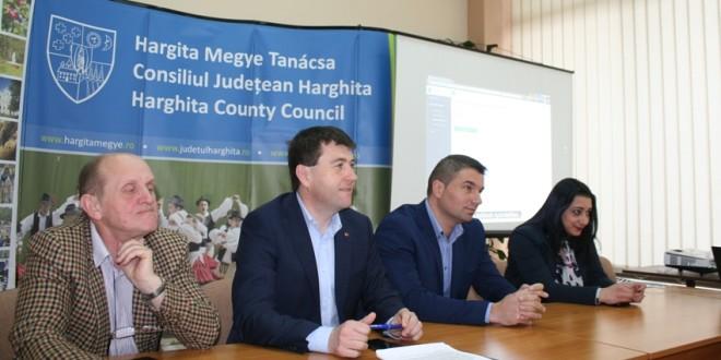"""Sistem online de urmărire a Programelor naţionale """"Laptele şi cornul"""" şi """"Fructe în şcoli"""", implementat de Consiliul Judeţean Harghita"""