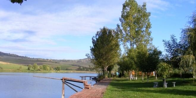 Intervenţie de urgenţă la conducta de evacuare a Lacului Rugăneşti