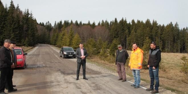 Până la vară se vor finaliza lucrările de reabilitare a drumului către Sântimbru-Băi
