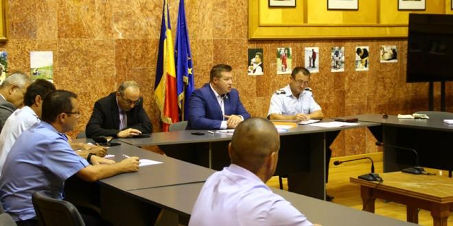 În şedinţa Comitetului Judeţean pentru Situaţii de Urgenţă, au fost aprobate evaluările pagubelor inundaţiilor care au afectat judeţul în perioada mai-iulie