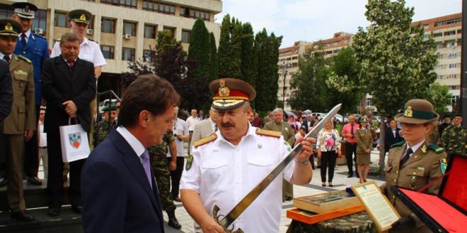 Felicitări, mulţumiri şi urări de bine cu ocazia ceremoniei trecerii în rezervă a generalului de brigadă Marius Giurcă