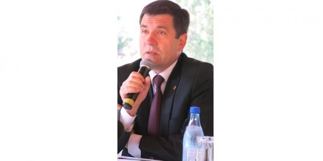 """La Izvoru Mureşului s-a constituit """"Federaţia Organizaţiilor Româneşti din Centrul şi Sud-estul Europei"""""""