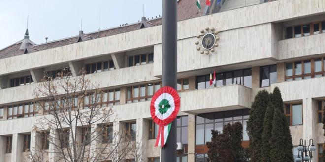 Dacă eşti român şi încalci legea o dată, ajungi la puşcărie. Dacă eşti maghiar şi încalci legea de 28 de ori, ai toate şansele să devii partener de bază al coaliţiei de guvernare…