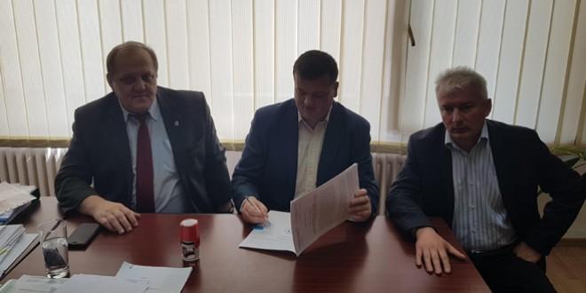A fost semnat contractul de finanţare pentru reabilitarea şi extinderea sistemului de apă şi canalizare al oraşului Bălan