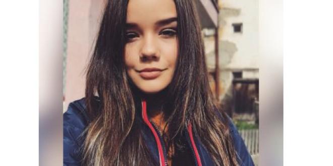 """Edina Bako, elevă a Liceului Teoretic """"O.C. Tăslăuanu"""" din Topliţa, premiantă """"Alumni Leadership Award"""": """"Tinerii să-şi caute motivaţia, să-şi urmeze visurile"""""""