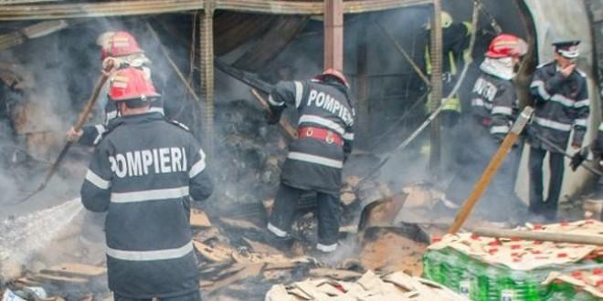 Miercurea Ciuc: Un milion de lei, pagubele provocate de incendiul puternic de la fabrica de îmbuteliere a lichidului de parbriz