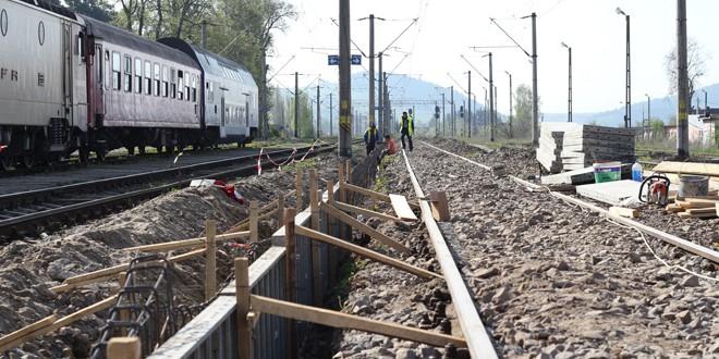 Până la sfârşitul lunii septembrie, gara din Miercurea Ciuc ar trebui să aibă peroane noi