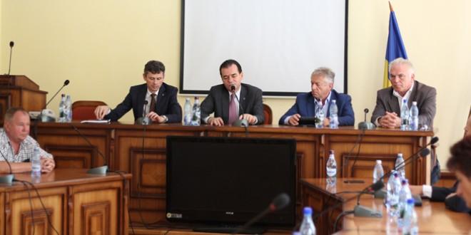 La Topliţa – Ludovic Orban, preşedintele principalului partid de opoziţie: trei deputaţi PNL au semnat sesizarea adresată CCR privind Codul administrativ