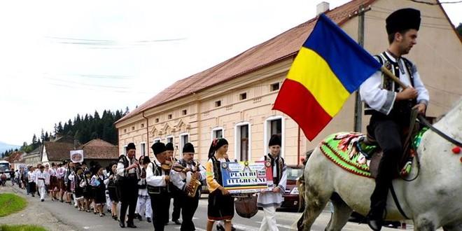 Tulgheş: 354 de artişti amatori din 5 judeţe la Festivalul Roata Stelelor