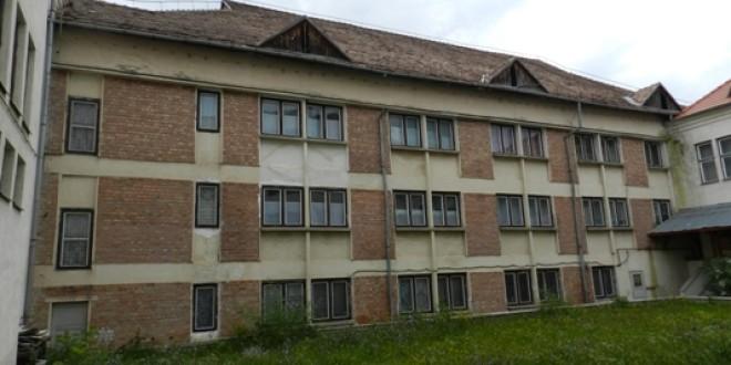 """Internatul Colegiului Naţional """"Octavian Goga"""" din Miercurea Ciuc intră în reabilitare"""