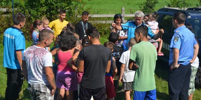 Jandarmii harghiteni alături de copiii din taberele organizate la Băile Tuşnad şi Băile Chirui