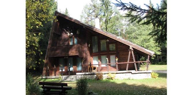 În sezonul estival, cabanele Direcţiei Silvice Harghita sunt la mare căutare printre turişti