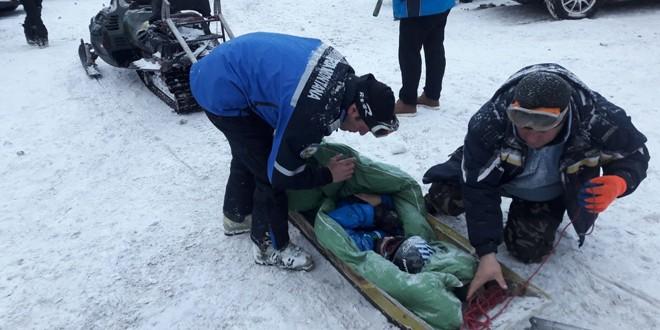 Jandarmii montani i-au acordat sprijin unui copil de 10 ani după ce acesta se accidentase pe pârtia de schi de la Ciumani