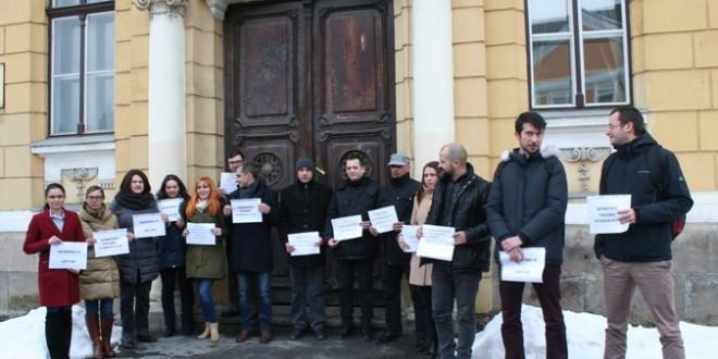 Protest al magistraților în fața Palatului Justiției din Miercurea Ciuc