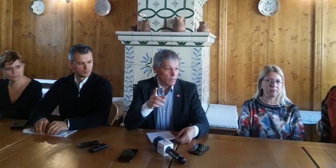 """Dacian Cioloş (PLUS): """"Starea actuală a României e una de deznădejde, dar şi o foarte mare oportunitate"""""""