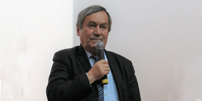 <h5><i>Vasile Lechinţan. Ultimul interviu</i></h5> Sunt de condamnat toate cedările făcute de guvernele noastre care au dus la purificări etnice de români în chiar instituţii ale statului român de pe teritoriul României