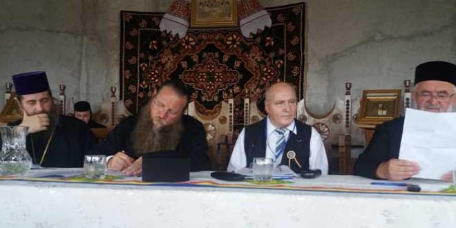 <h6><i>Anul omagial al satului românesc </i>– context pentru aducerea în dezbaterile Universităţii de Vară Izvoru Mureşului a temei</h6>Satul românesc – vatră de promovare a conştiinţei şi identităţii naţionale