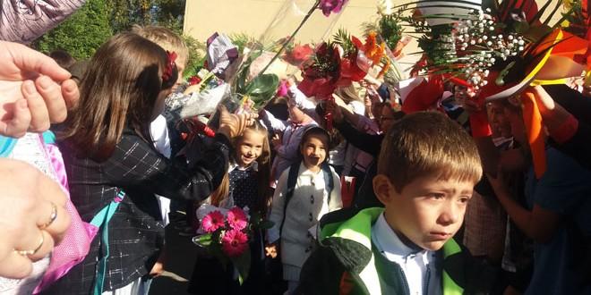 Peste 50.000 de preşcolari şi elevi au început un nou an şcolar în Harghita