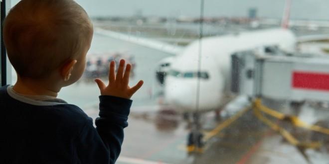 Aproape 2.000 de copii din Harghita au cel puţin un părinte în străinătate