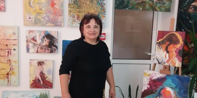 <h6><i>Astăzi, la Biblioteca Municipală Topliţa:</i></h6> Lansare de carte şi expoziţie de pictură cu scop caritabil