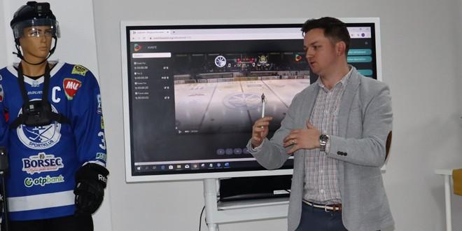 <h6><i>HOCHEI PE GHEAŢĂ</i></h6> Sport Club a primit o aplicaţie de <i>video coach</i>