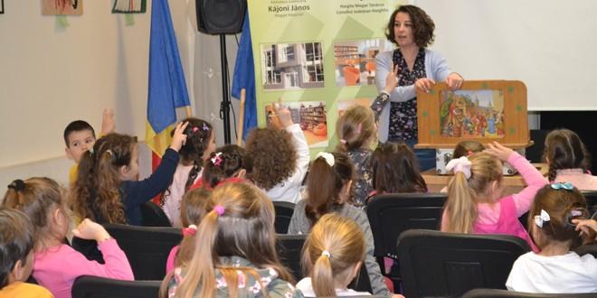 Sute de elevi din judeţ au marcat Ziua Internaţională a Cititului Împreună