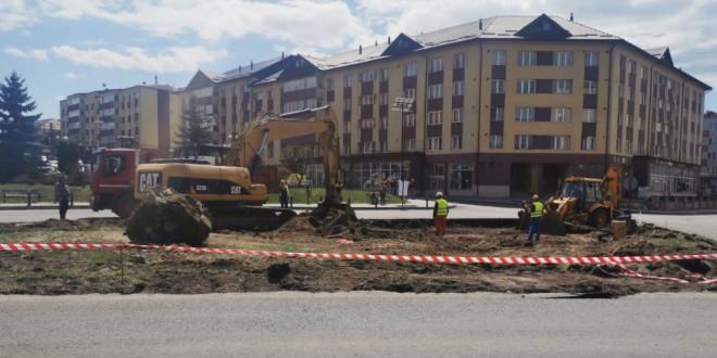 Au demarat lucrările la sensul giratoriu din centrul municipiului Topliţa