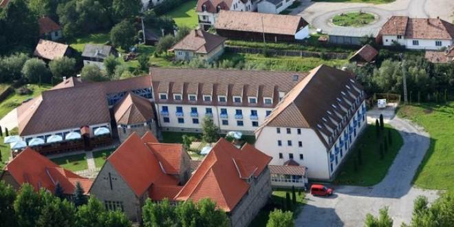 Centrul multifuncţional al Consiliului Judeţean a devenit secţie pentru pacienţii cu COVID-19 asimptomatici